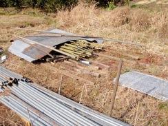 05竹の保護トタンも吹き飛ぶ10-1-31