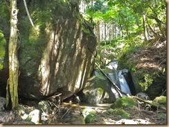 09左巨岩岩盤の二段小滝11-6-29