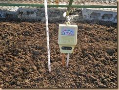 01ボカシ肥料の発酵続く12-1-30