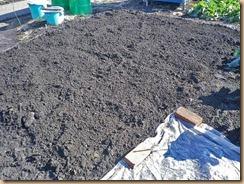 04堆肥をスキ込む12-1-26