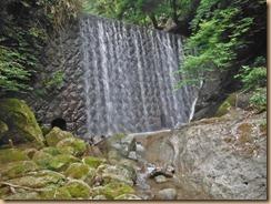 05滝壺が浅い石垣堰堤13-6-25
